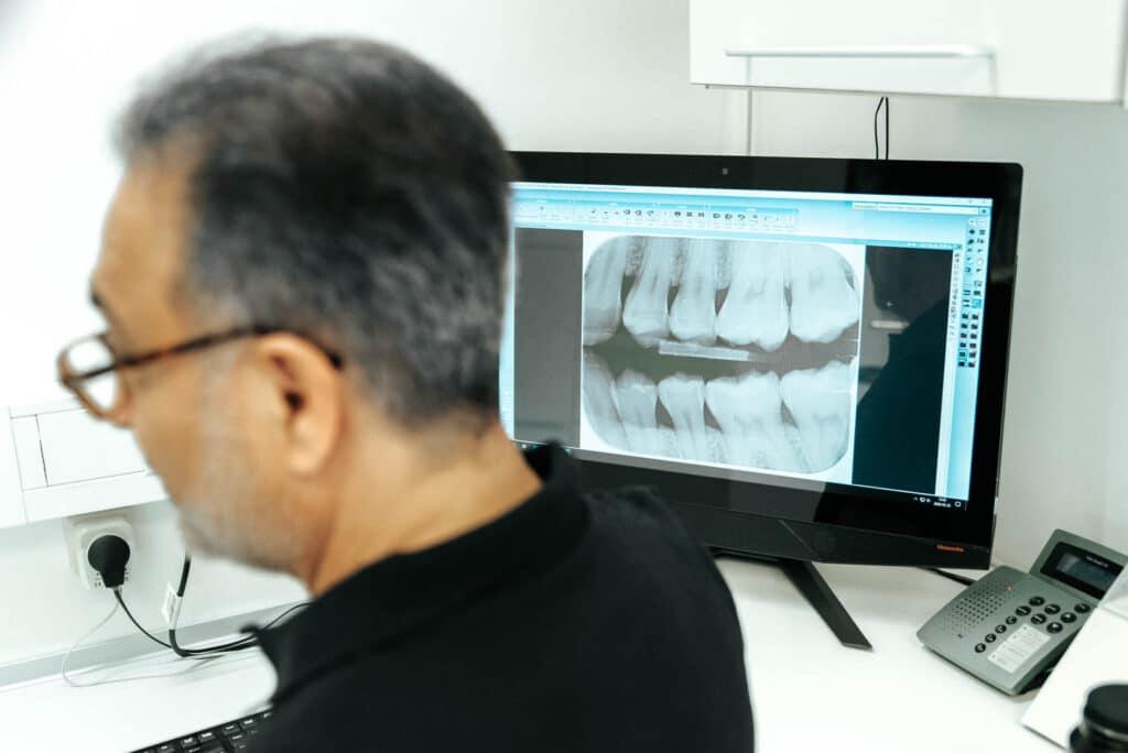 Tandreglering Göteborg | Frölunda tandläkarna är specialister på tandreglering
